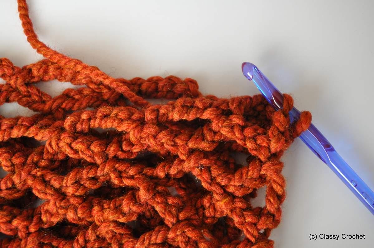 Free Pattern: Diamond Lattice Chain Crochet Infinity Scarf | Classy ...