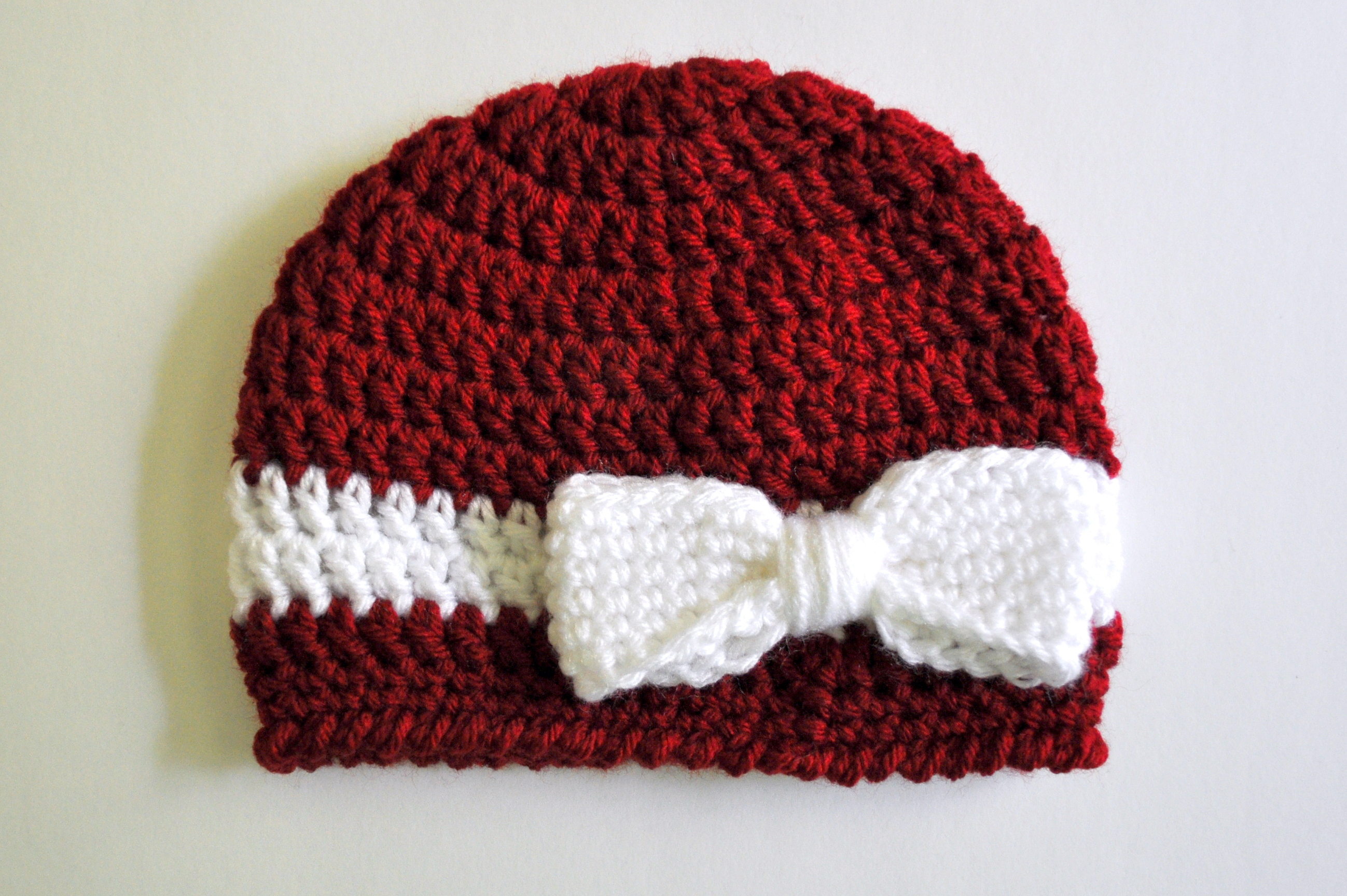 Crochet Beanie Hat Pattern For Babies : Free Pattern: Crochet Bow and Ribbon Baby Hat Classy Crochet