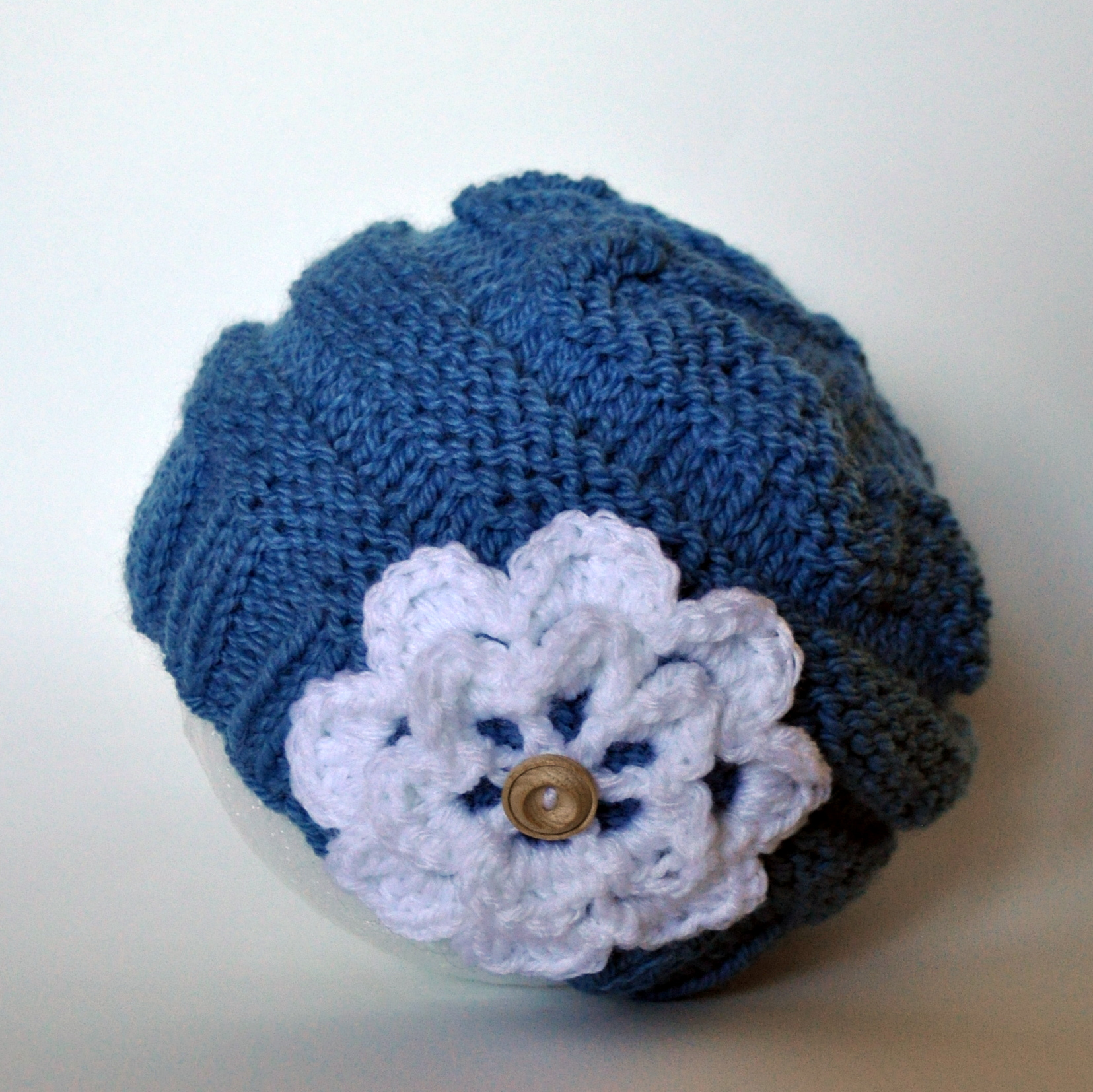 Knit Hat With Flower Pattern : 301 Moved Permanently