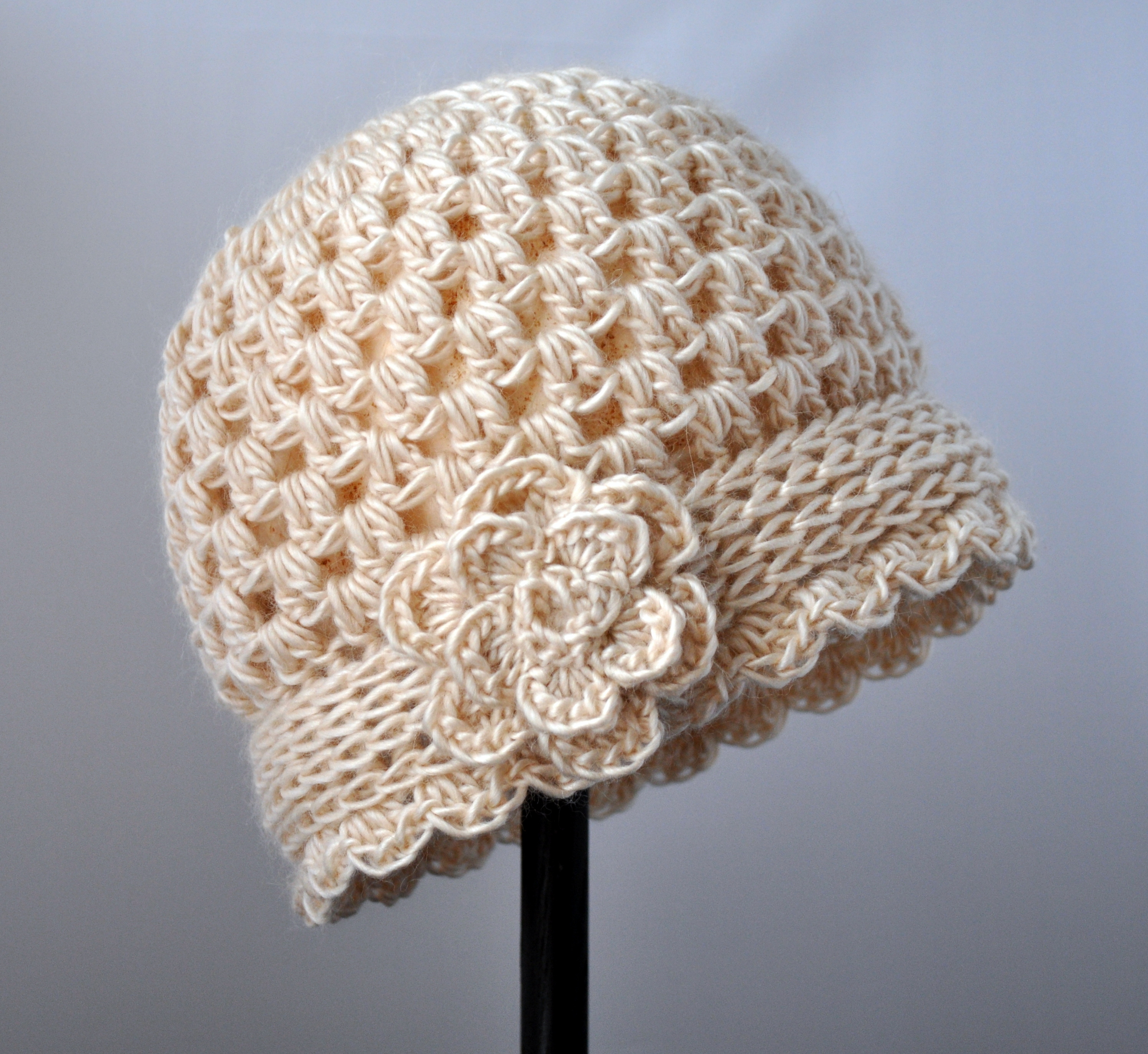 Crocheting Hats Patterns : Crochet Vintage Flowered Cloche Pattern Classy Crochet