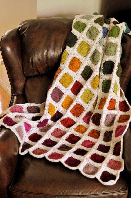 https://classycrochet.wordpress.com/2015/07/11/crochet-rainbow-blanket/